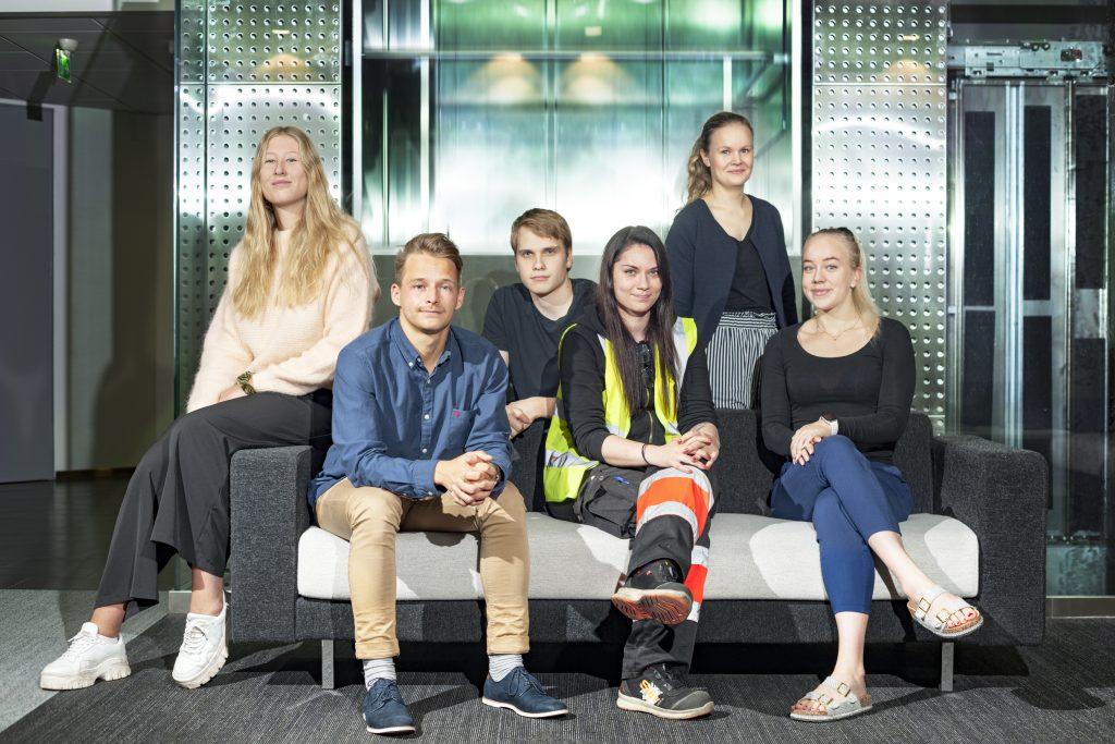 Työpaikkana DB Schenker. Kesätyöntekijöitä Vantaan toimipisteessä.